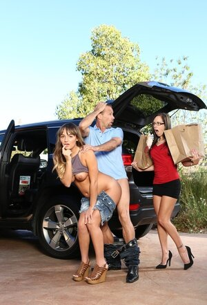 Sexually available mom catches husband banging her young-looking stepdaughter right behind her car
